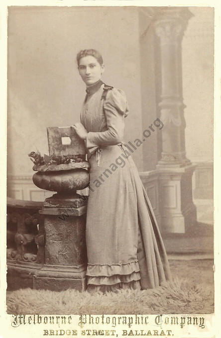 Miss Enna Maria PAGE, 1867-1959. Daughter of Thomas & Mary (nee Martin) PAGE,  and future  wife of Thomas CURREY.