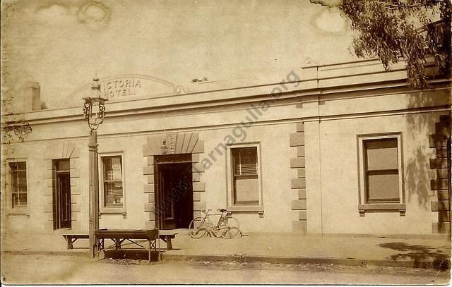Victoria Hotel, Tarnagulla, c. 1912.