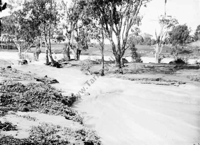 Loddon River In Flood, 1909