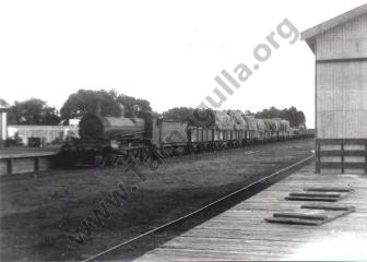 Steam train from Dunolly. Pulling into Tarnagulla Railway Station. ~1900.